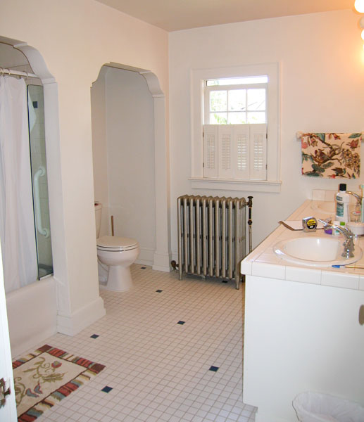 English revival bath before remodel