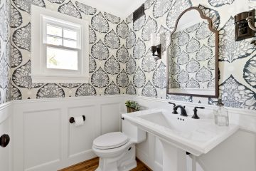 Traditional Redux Half-Bath