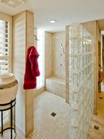 expansive dual shower